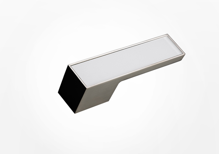 Accents can also be set and exclusive or highly individual materials can be chosen for the area on the door handle FRAME.